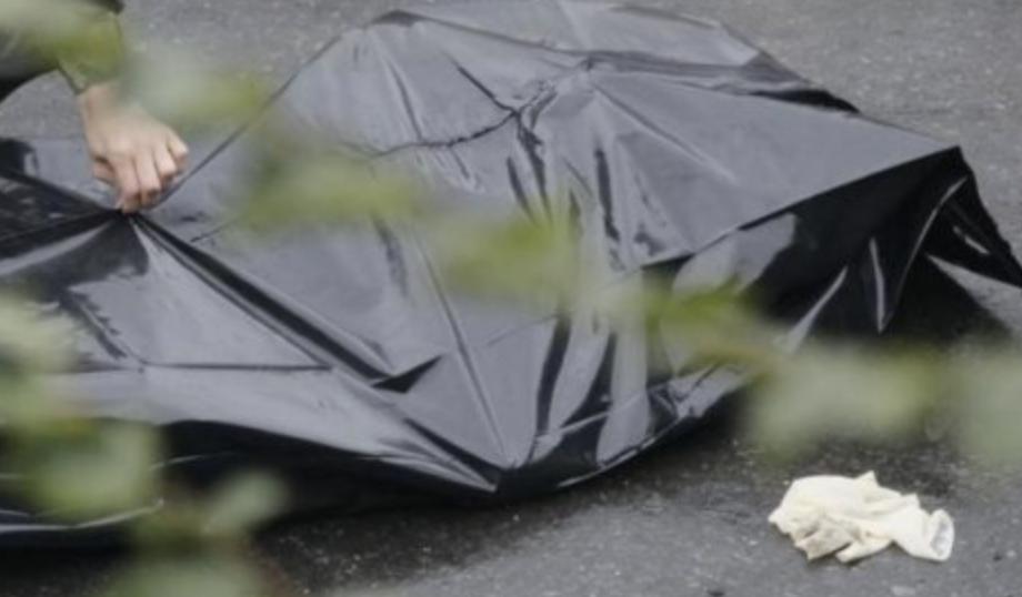 Кемеровчанка погибла после падения изокна на 4-м этаже