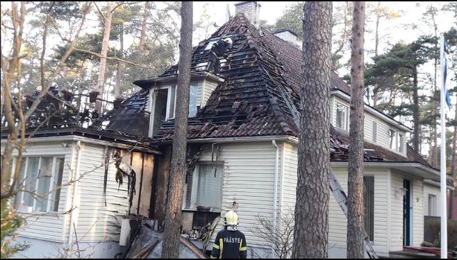 Бдительный сосед спас семью министра обороны вовремя пожара вТаллине