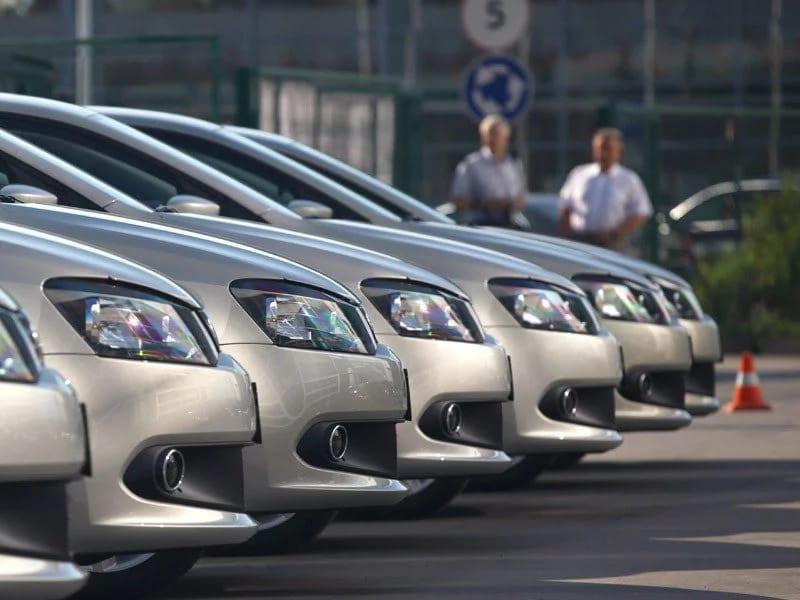 Продажи новых машин вКазахстане всередине весны упали на8,9%