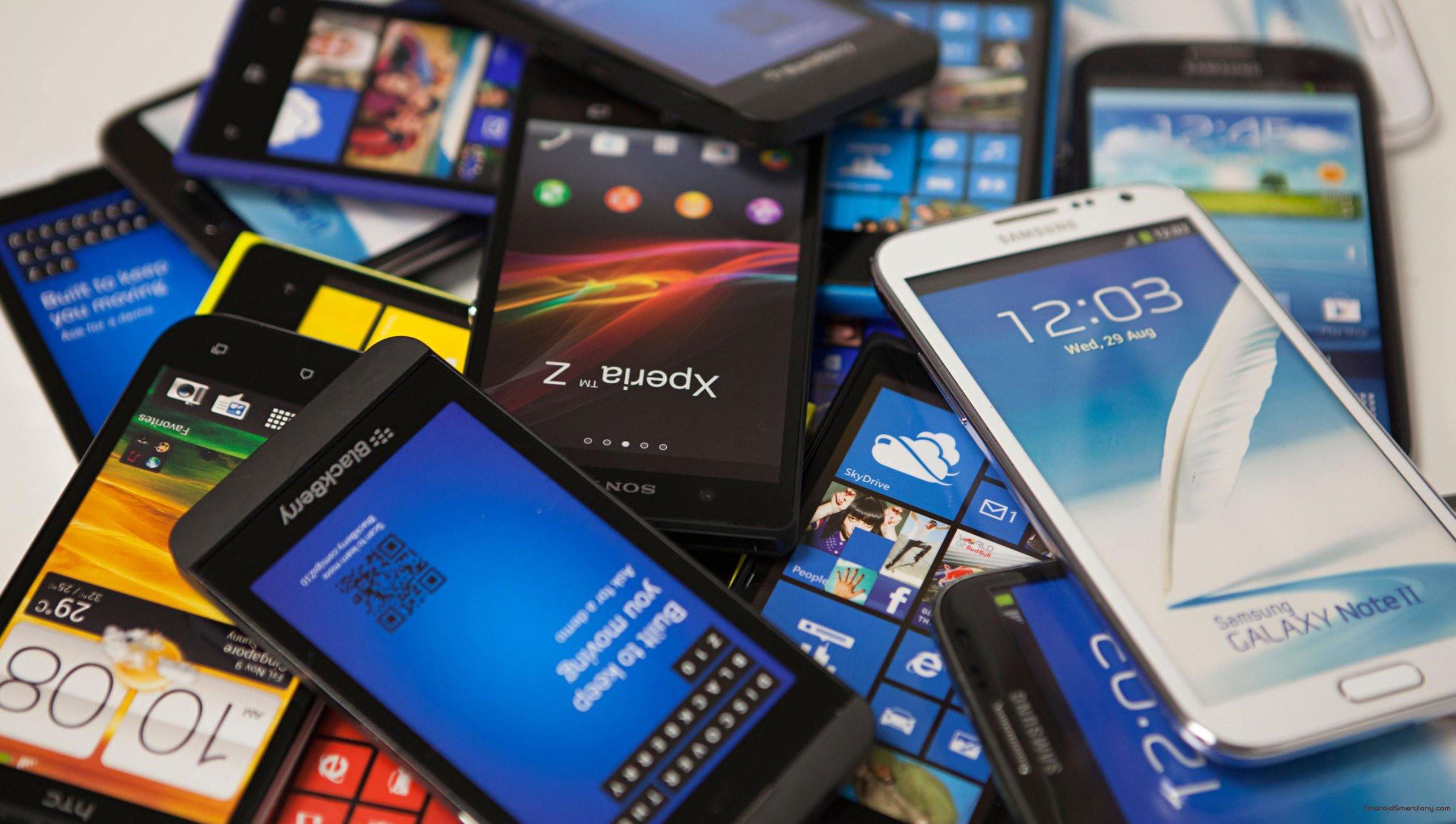 Какие мобильные телефоны покупают в Российской Федерации впервую очередь