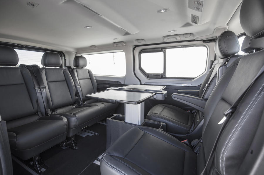 Фургон MPV Spaceclass Рено Trafic презентован накинофестивале