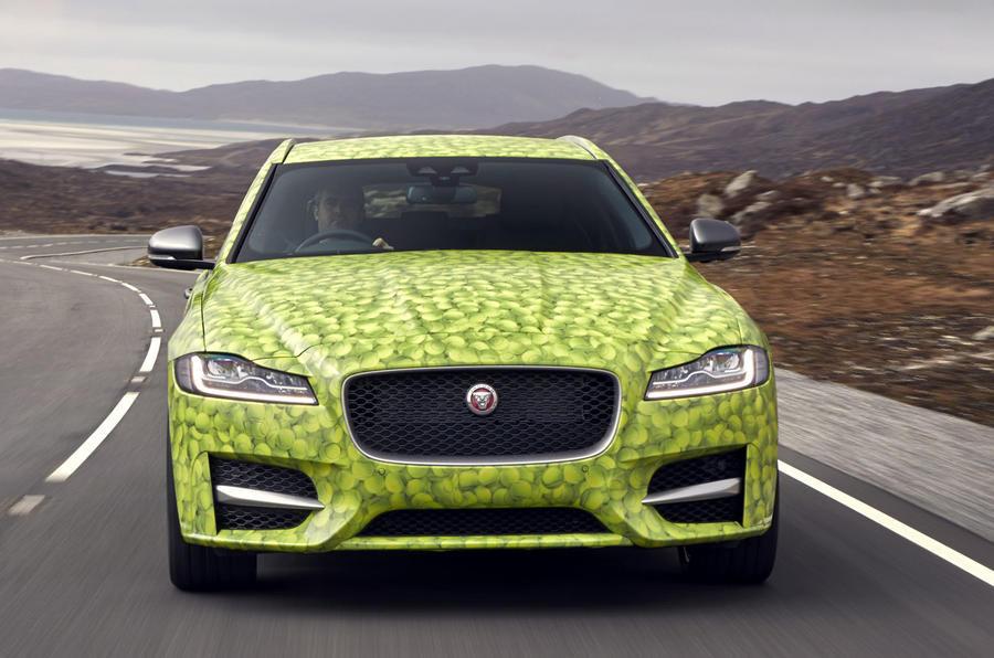 Презентация нового универсала Jaguar XFSportbrake пройдет 14июня class=