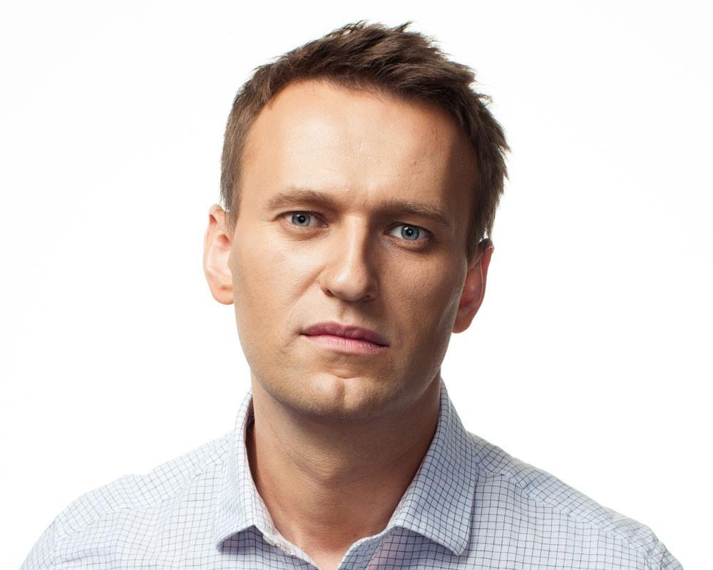 Усманов ввидеообращении назвал Навального «уголовником» и«лузером»