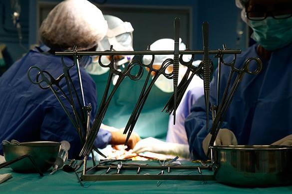 Русские мед. сотрудники выполнили операцию пациентке, страдающей болезнью «бабочки»