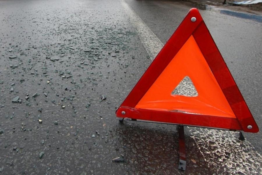 НаАлтуфьевском шоссе машина после столкновения сдругой сбила пешехода