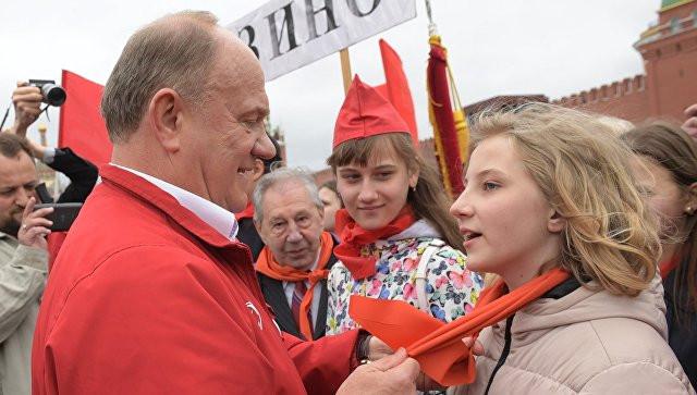 Коммунисты приняли впионеры свыше 5-ти тыс. молодых людей