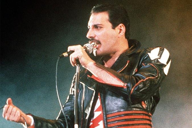 Гитарист Queen: Вборьбе соСПИДом Фредди Меркьюри лишился стопы