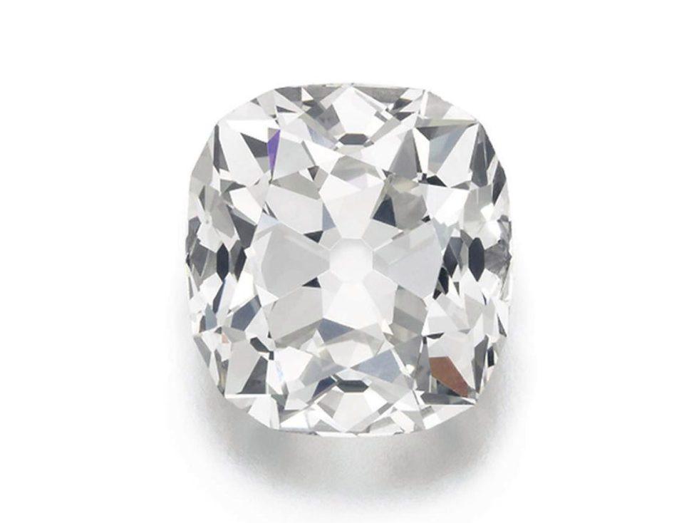 Купленное за10 фунтов кольцо продадут нааукционе за350 тыс. фунтов