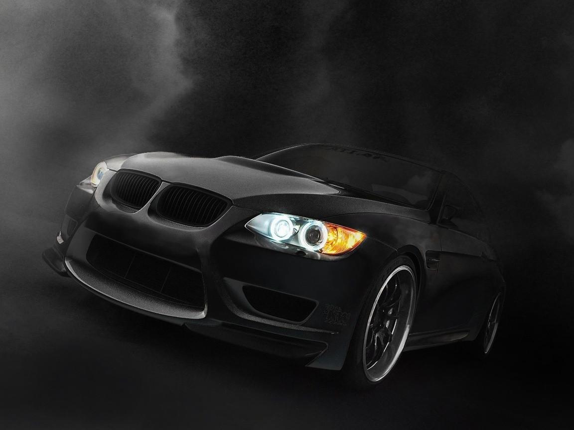 Английские специалисты узнали, что машины черного цвета самые известные