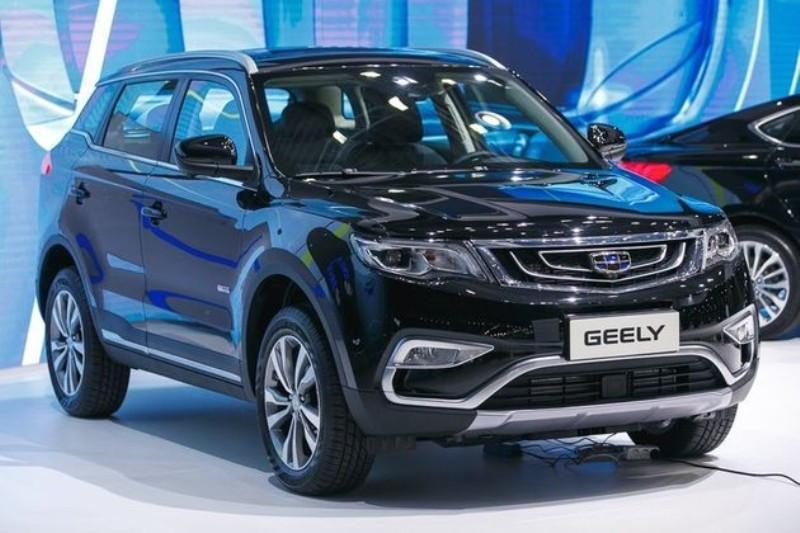 В КНР автомобиль предлагается под названием Geely Boyue а в Россию паркетник привезут под наименованием Geely Atlas