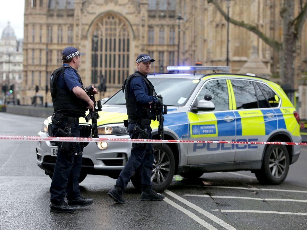 Встолице Англии наблюдателей эвакуировали изтеатра из-за угрозы взрыва