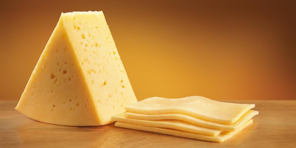 Ученые доказали, что сыр способен сражаться сраковыми клетками