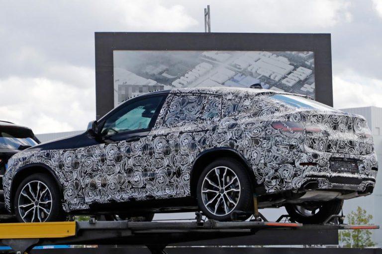 БМВ впервый раз вывел натесты кроссовер X4 нового поколения