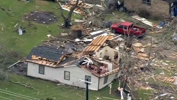 От наводнения и торнадо в США погибли 14 человек