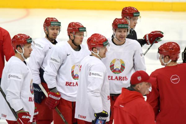 МИД Беларуси требует объяснений у посла Франции за обыск хоккеистов