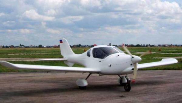 В Тамбовской области частный самолет совершил жесткую посадку