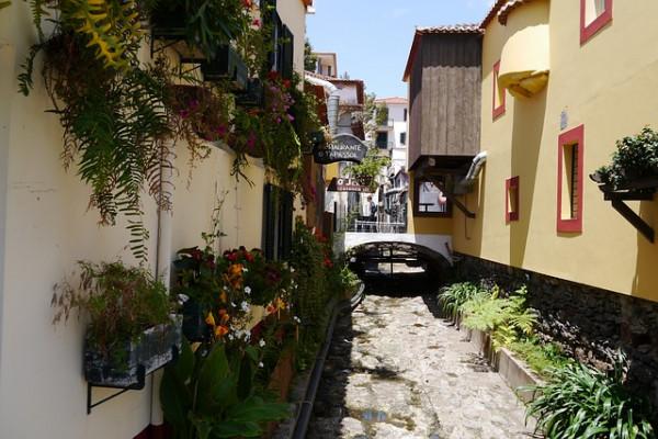Туроператор «Лузитана Сол»: Сезонный тур в Португалию с экскурсиями и отдыхом на Мадейре