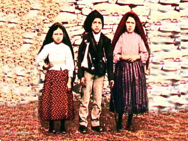 Папа Римский канонизировал португальских детей, которым явилась Дева Мария
