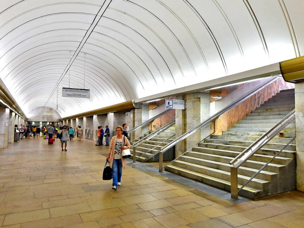 В московском метро на станции «Петровско-Разумовская» произошло задымление