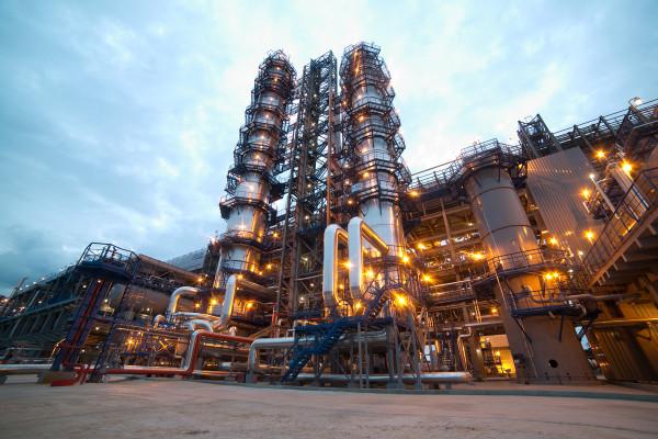 Московский НПЗ прекратил прием нефти из-за внештатной ситуации