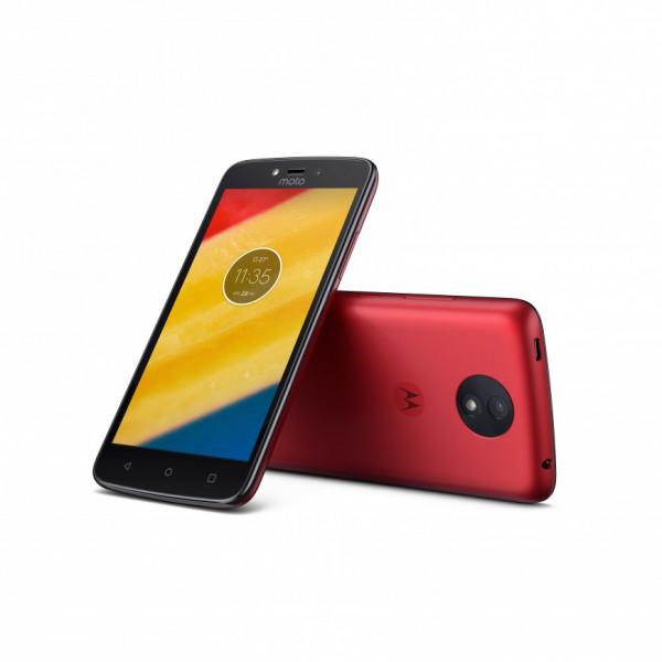 Motorola представила дешевые Moto C и Moto C Plus
