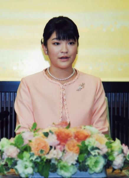Внучка императора Японии откажется от титула ради брака с простолюдином