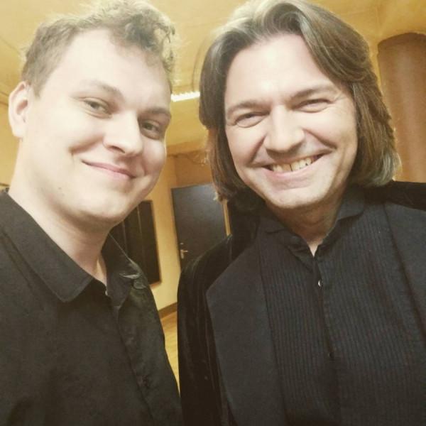 Певец Маликов и блогер Хованский взорвали Сеть новым клипом