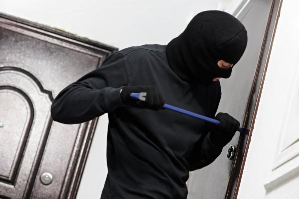 В Москве ветерана ВОВ ограбили на 200 тысяч рублей