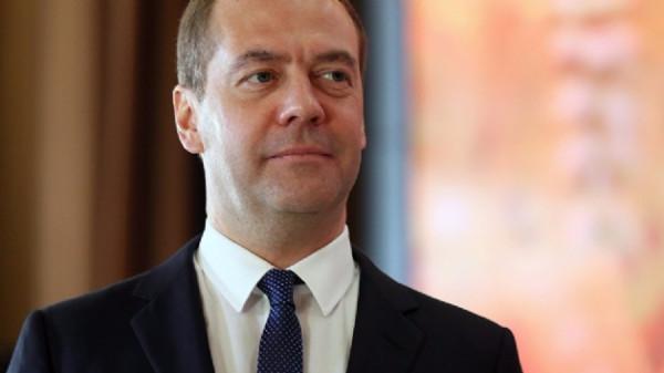 Медведев прибыл в Стамбул на саммит ОЧЭС