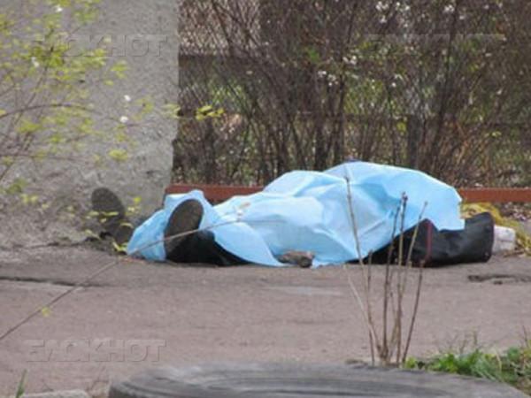 В Санкт-Петербурге на территории больницы зарезали мужчину