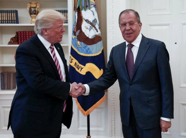 Сенатор Маккейн назвал Путина и Лаврова преступниками