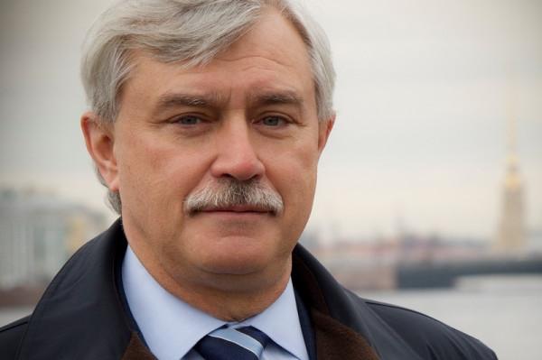Доходы губернатора Петербурга за год упали почти на 1 млн рублей