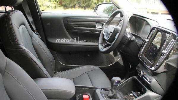 Рассекречен интерьер компактного кроссовера Volvo XC40