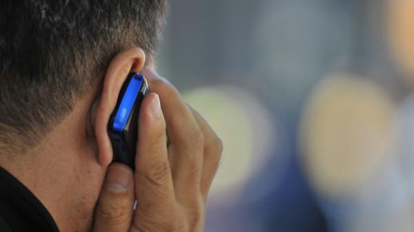 Пастор развеселил пользователей соцсетей разговором с Богом по телефону