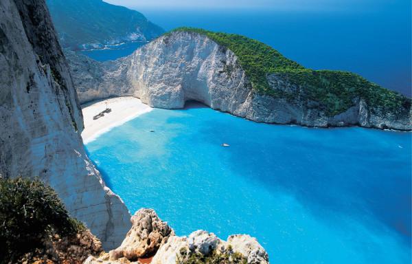 Топ лучших туристических направлений для россиян в июне