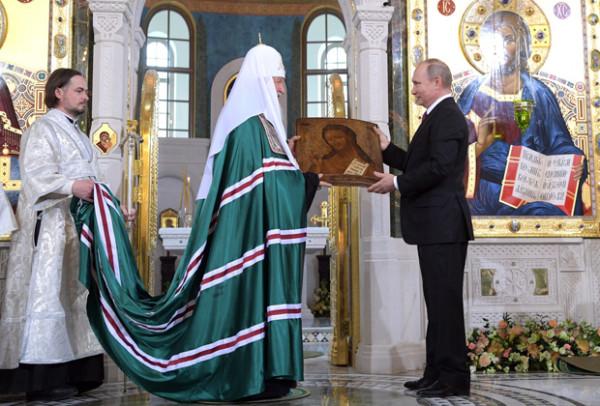 Владимир Путин присутствовал на освящении храма в Сретенском монастыре
