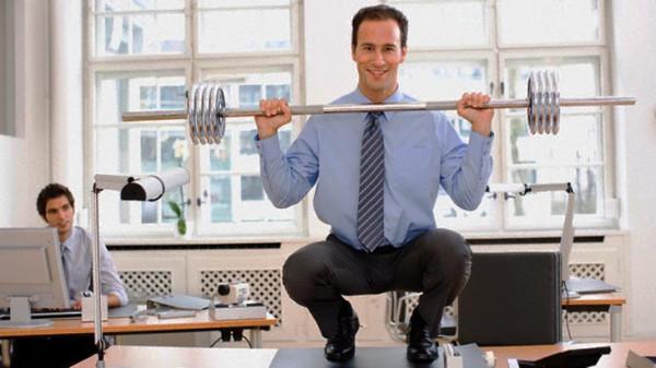Эксперты: Физические нагрузки на работе не заменят занятий в спортзале