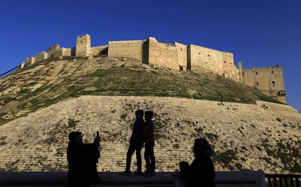 В Алеппо прошла первая после освобождения города от боевиков экскурсия