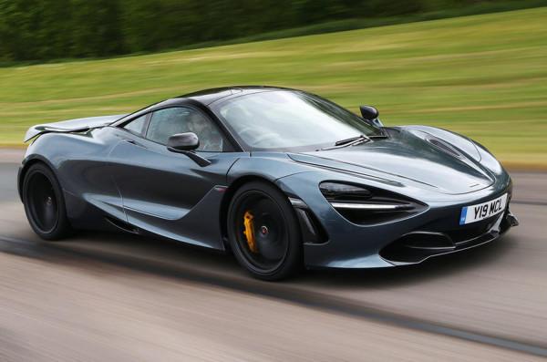 Британские журналисты провели тест-драйв суперкара McLaren 720S