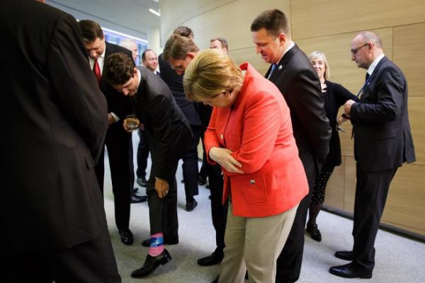 Меркель оценила «крутые» носки премьера Канады