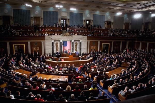 Компании Facebook и Google просят конгресс изменить закон о слежке в интернете