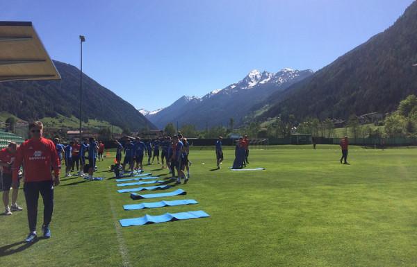 Сборная РФ по футболу приступила к тренировкам в Австрии