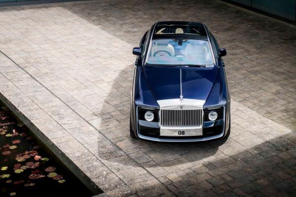 Rolls-Royce выпустил эксклюзивную модель Sweptail