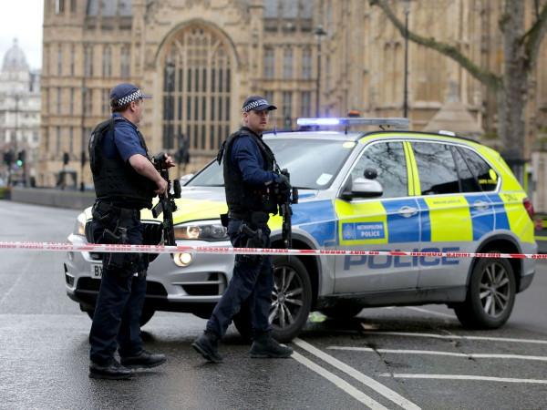 В Лондоне в театре эвакуировали зрителей из-за угрозы теракта