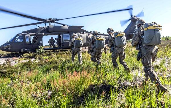 В Эстонии стартовали военные учения Saber Knight