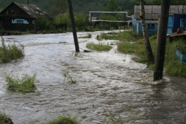 МЧС: В Краснодарском крае из-за дождя затопило почти 30 дворов