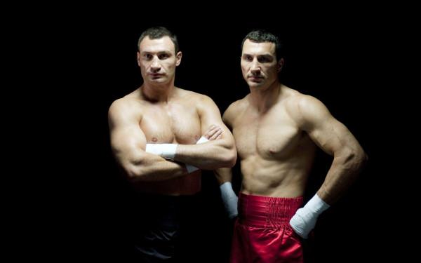 Виталий Кличко винит себя в поражении брата в бое с Джошуа