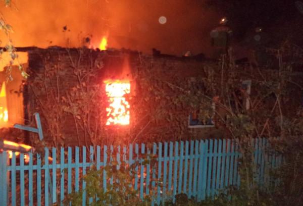 Под Вологдой после тушения пожара в жилище нашли 3 сгоревших трупа