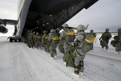 Около 200 американских военных замерзли во время учений у российской границы