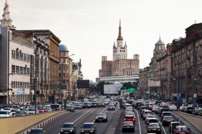 Власти Москвы попросили водителей по возможности исключить из маршрута Садовое кольцо